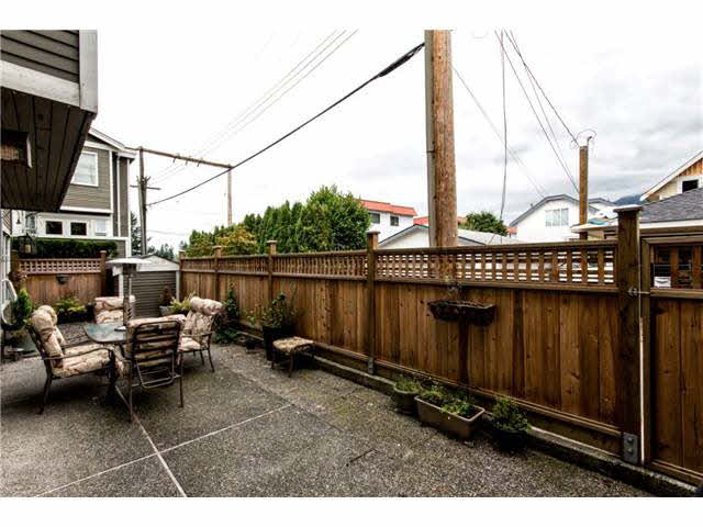 B1 240 W 16TH STREET - Central Lonsdale Townhouse for sale, 2 Bedrooms (V1140756) #11