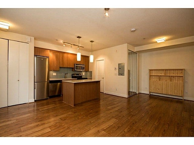 # 106 735 W 15th St - VNVHM Apartment/Condo for sale(V1014874) #1