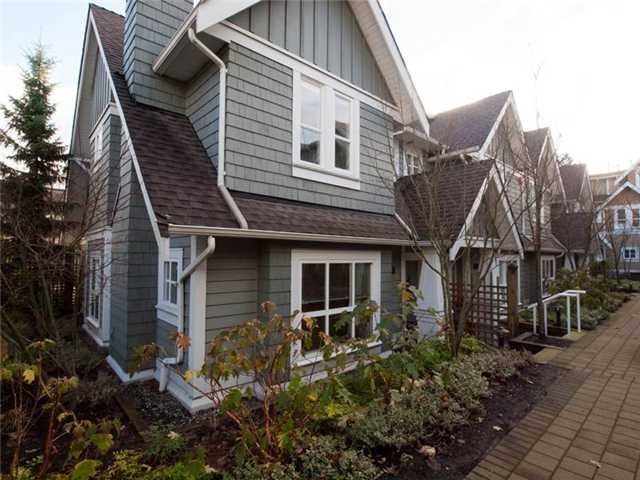 # 12 2688 Mountain Hy - Westlynn Townhouse for sale, 3 Bedrooms (V924953) #1